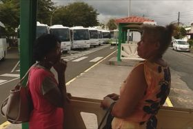 Bus (attente passagers)