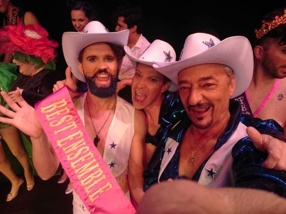 Texas boys, troupe burlesque