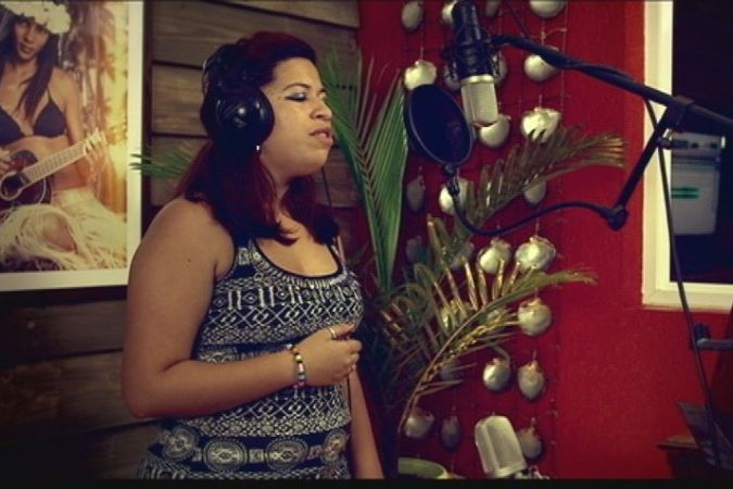 "07 - Tepoe AKA chante ""Read All About It"" - Studio live sessions saison 2"