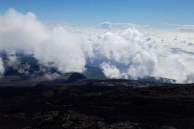 Volcan nuages