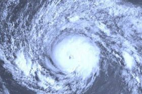 image satellite cyclone