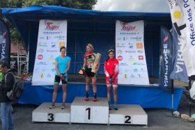Au tour d'elles / Podium tribu Saint Laurent